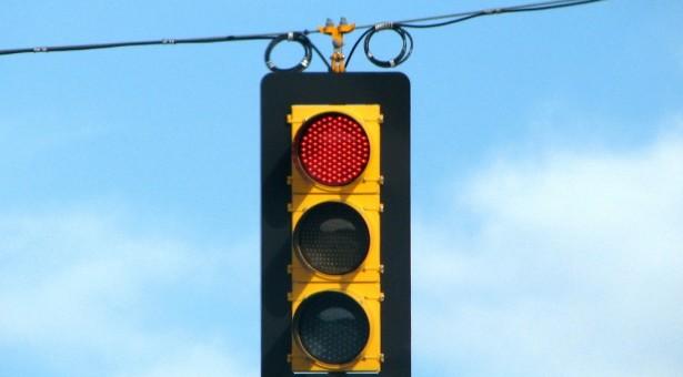 מעבר באור אדום- עבירת תעבורה מסוכנת וחמורה